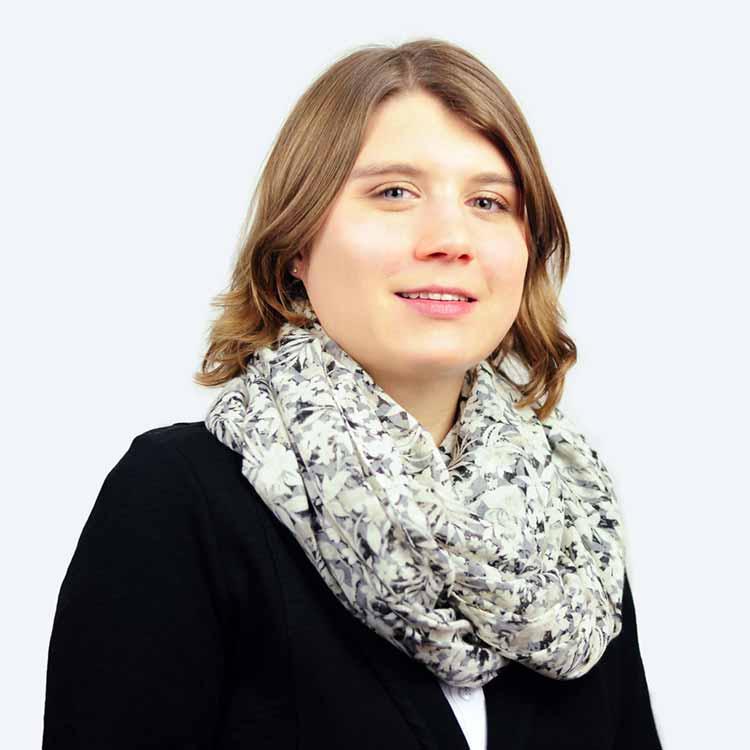 Frau Stemmer Steuerfachwirtin HSK SCHNEIDER
