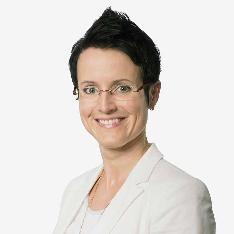 Frau Szabados Steuerberaterin HSK