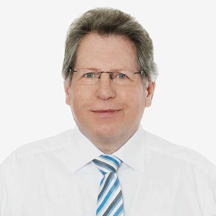 Herr Rauer Diplom-Kaufmann